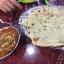 Garlic Cheese Naan N Butter Chicken