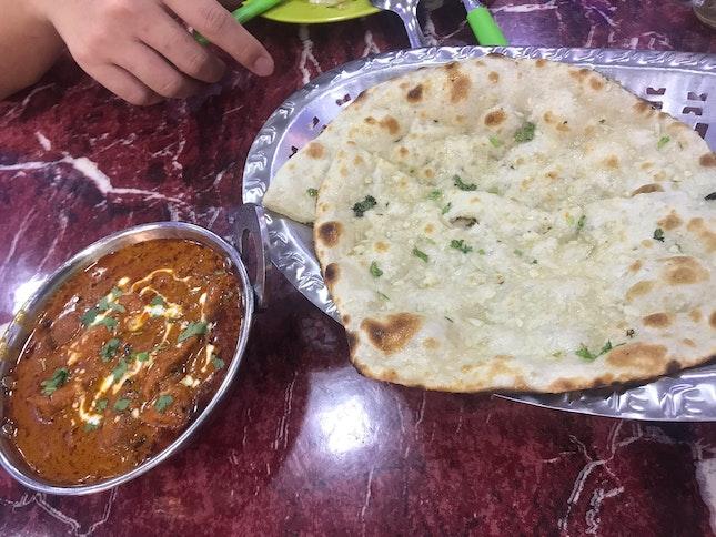 Garlic Cheese Naan N Butter Chicken