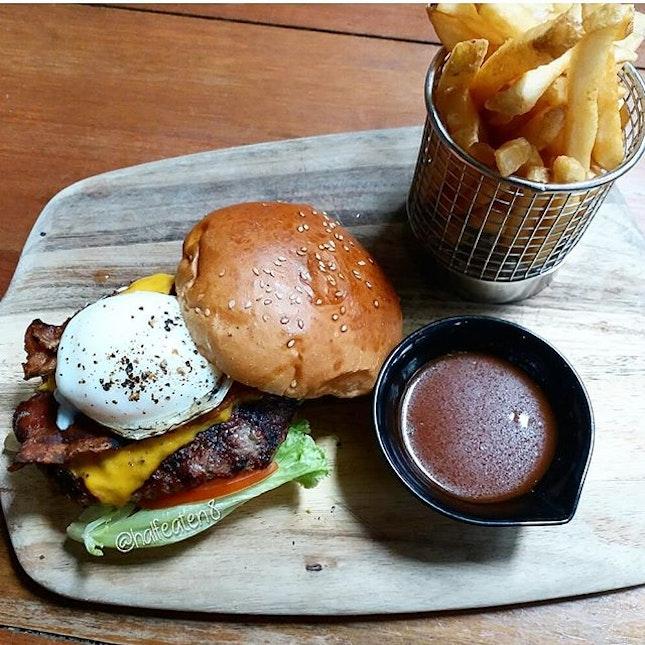 Wagyu Beef Burger from Wheeler's Yard!