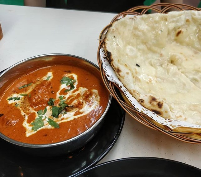 #cxyi - 24th March 2019 - butter chicken and cheese naan for dinner after picking her up from the airport.