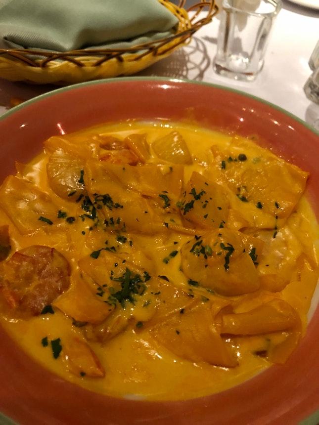 Stracci with saffron cream sauce