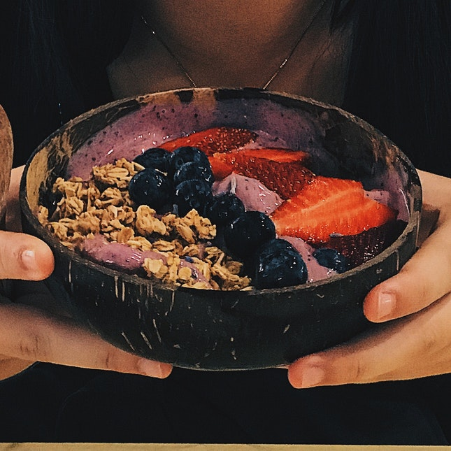 BLUEBERRY LAVENDER SMOOTHIE BOWL ($4.90)