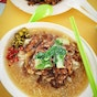 Hin Fried Hor Fun With Prawn Beef Sliced Fish (Ghim Moh Market & Food Centre)