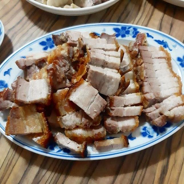 初二 dinner prepared by Dre's mum 🤤🔥: ☆ Air-fried roast pork ☆ Stir-fry kangkong ☆ Steamed chicken ☆ Fried fish ☆ Papaya salad (forgot to take pic 😥)