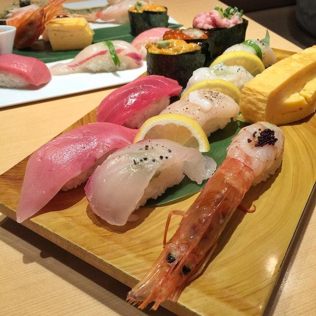 Sushi Set Lunch (1600 Yen)