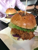 Pulled pork burger and SPRUCE burger