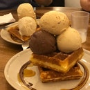 Waffles with 3 Scoops