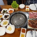 Fairly Quiet Korean BBQ Restaurant With Average Food