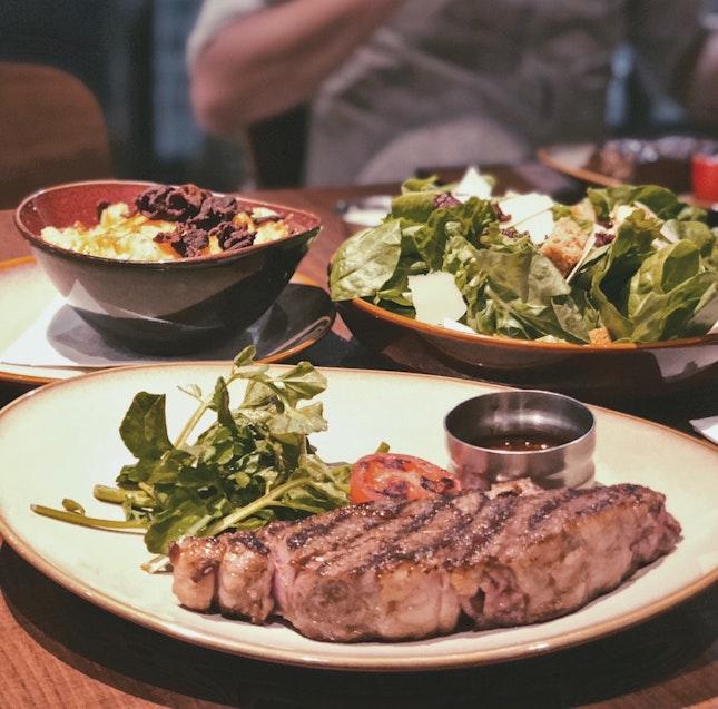 Tenderloin Steak + Mac N Cheese