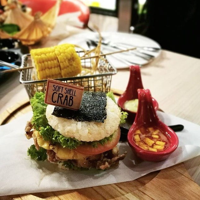 Soft shell crab sushi burger is one of the signature in this Japanese Thai fusion restaurant.