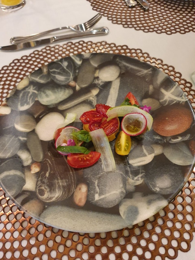 3 Course Set Lunch $38++