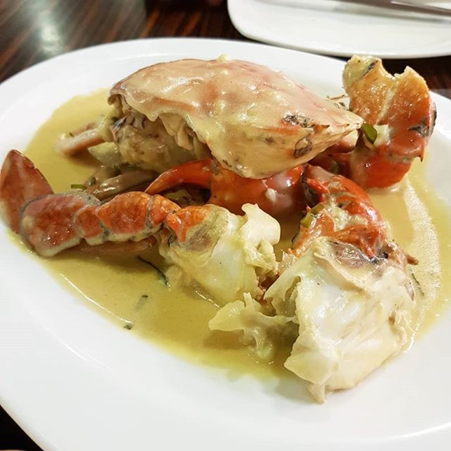 Creamy Butter Crab - Mantau - Truffle Pork Loin - Chinese Cabbage with minced garlic.