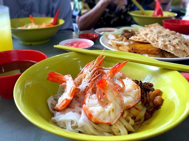 🍤 The prawn mee here is legit, although the portion of noodles were a little small for me.