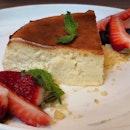 [NEW] Durian Burnt Cheesecake ($10++)