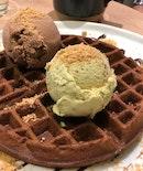 Ice Cream & Waffles (Sao Tome 70%, Houjicha Ice Cream)