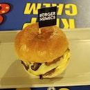 Delxue Burger