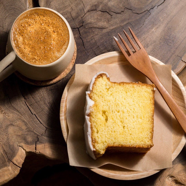 Butter cake w lemon drizzle and flat white [~$11]
