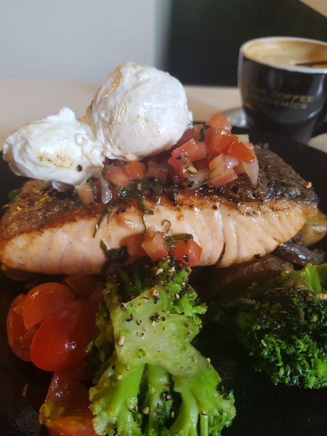 Salmon Fillet with Tomato Salsa and Poached Eggs
