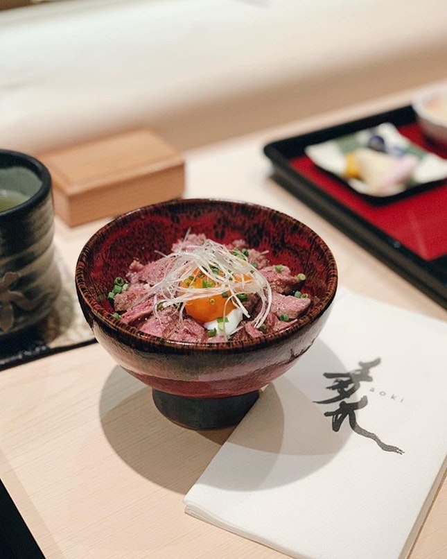 Trips to Aoki will never be just about the Mazechirashi after we ordered this glorious bowl of beef don 🍚💫