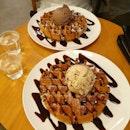 SET Waffle + Ice Cream