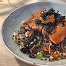 『Salmon and Soba』Sous vide salmon, warm soba, snow pea, edamame, carrot, red chilli, peanut, citrus teriyaki #oldhenkitchen #cafe #cafesg #sgcafe #foodstagram #fusion #soba #salmon #foodporn #sgfood #sgfoodies #instafood #instafoodie #burpple #burpplesg