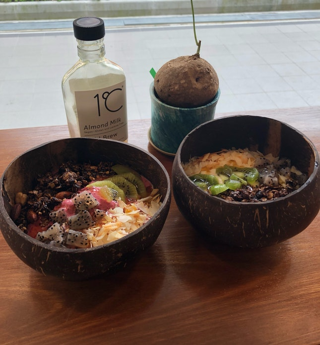 Great Smoothie Bowls & Coffee