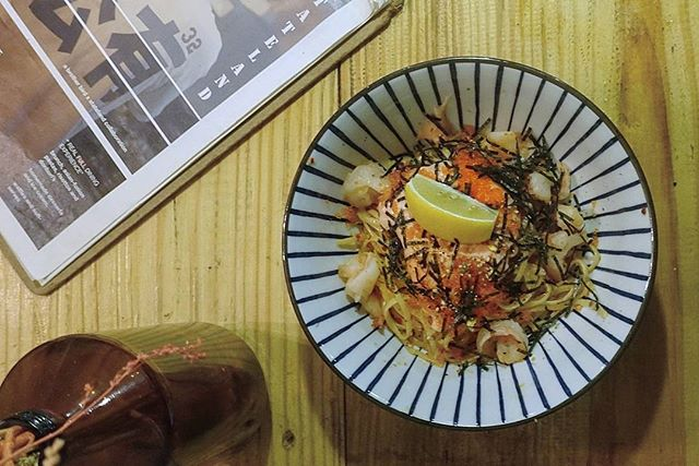 40 minutes wait (no kidding) and finally had our aglio olio drenched in mentaiko sauce.