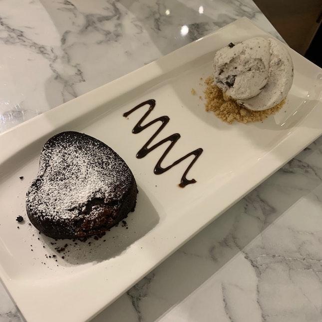Molten Chocolate Lava Cake ($10.90++)