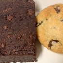 Brownie & Chocolate Chip Cookie | $4.50 & $1.50