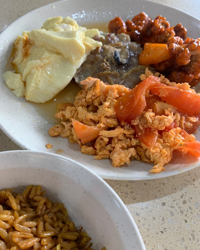 Mixed Vegetable Dishes + Pumpkin Rice   $6.10