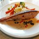 Pan-Seared Norwegian Salmon($16.90++)