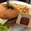1-for-1 Brunch : Wagyu Cheese Burger ($24)