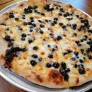 BOBA pizza