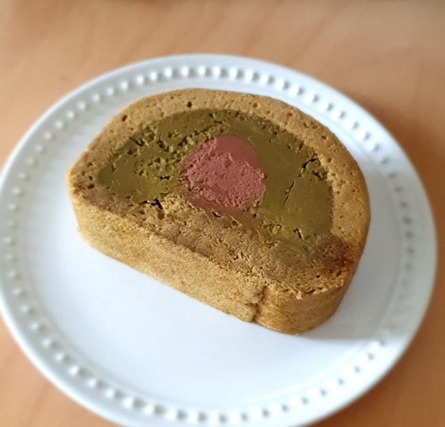 Hojicha Chocolate Ganache Roll Cake - Underwhelming