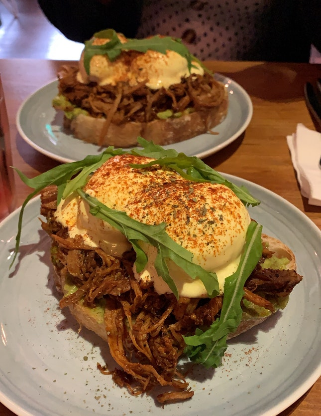 Pulled Pork & Avacado Eggs Benedict