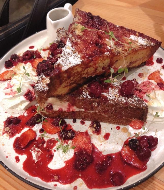 Strawberries & Cheese [Must try]
