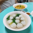 😋 Yummy handmade fishballs in Chinatown.