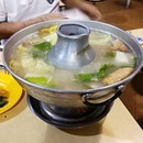 Fish steamboat using charcoal.