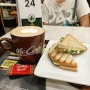 🌞☕ McCafe's Chicken Mayo Sandwich with a Cappuccino (S$6.50) .