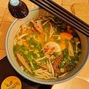 Ha Noi Combo Noodle Soup