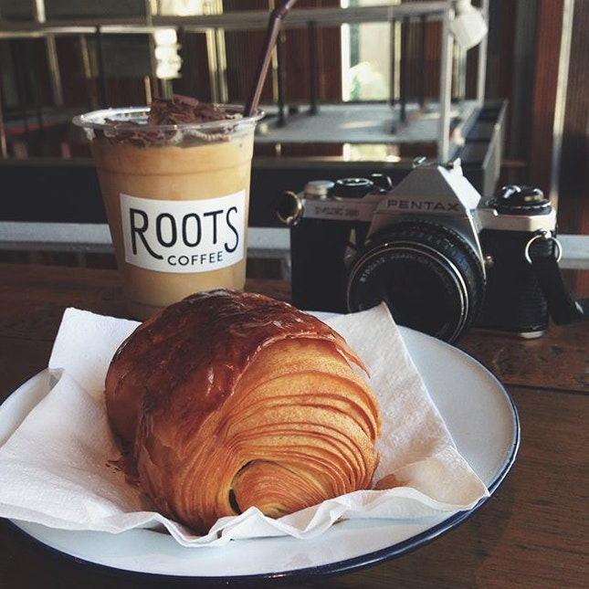 Cocoa Nibs Cold Brew from Roots, Pain Au Chocolat from Jean Philippe.