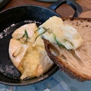 Baked Camembert With Rosemary And Garlic