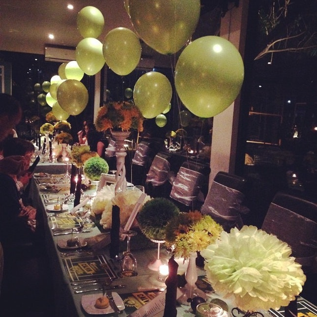 #party #dinner #table #decor #preciousmoments #settable #platinumgrill #long table