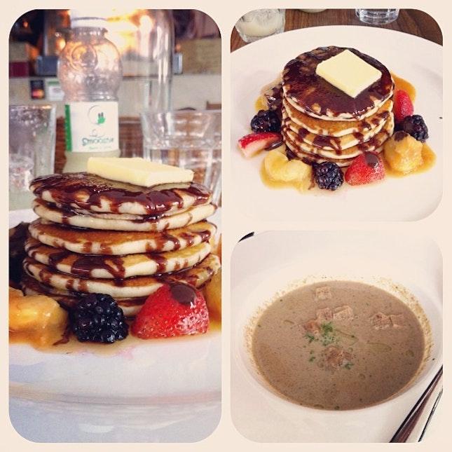 😋Yummy breakfast at Sunday morning ^^ #skyscraper #pan #cake #mushroom #soup #yummy #breakfast #sunday #weekend #instafood #instadaily #instamalaysia