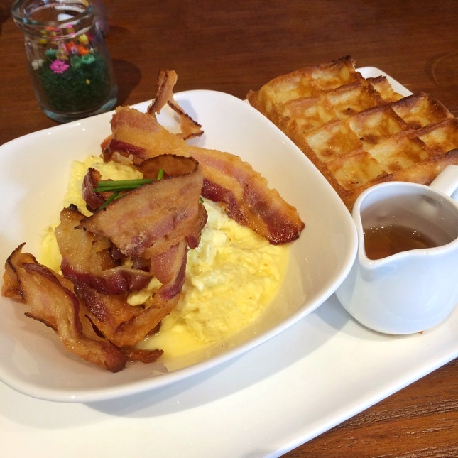 Scrambled Egg, Bacon, Waffles