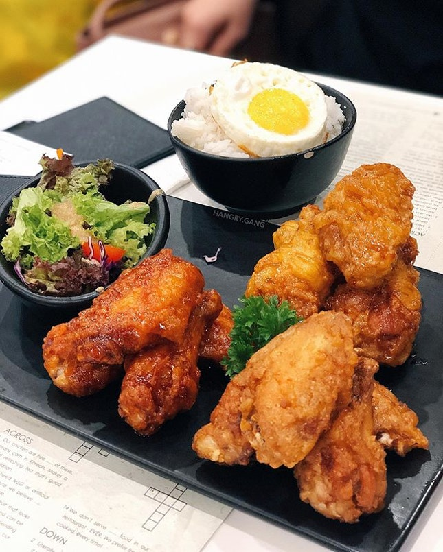 Hello, this fried chicken is looking tempting as ever!