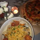 margharita pizza and seafood pasta