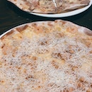 Garlic Snowing Pizza