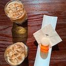 1-for-1 Macaron & Coffee
