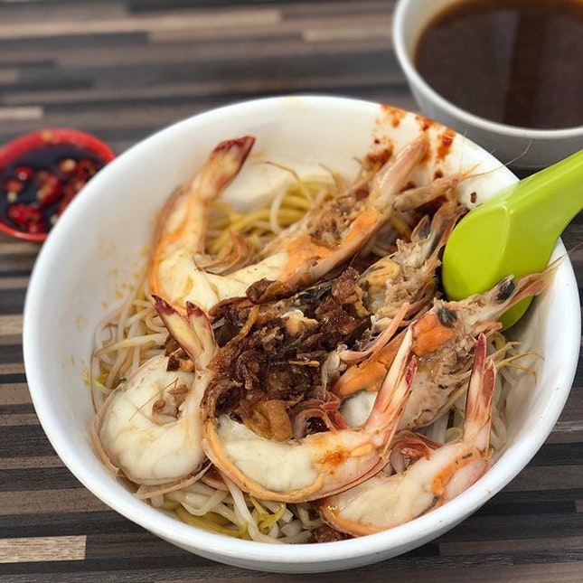 Prawn Mee Dry (I think this was medium 8bucks++) Just look at the prawns 🤤 best prawn mee in Singapore to me.